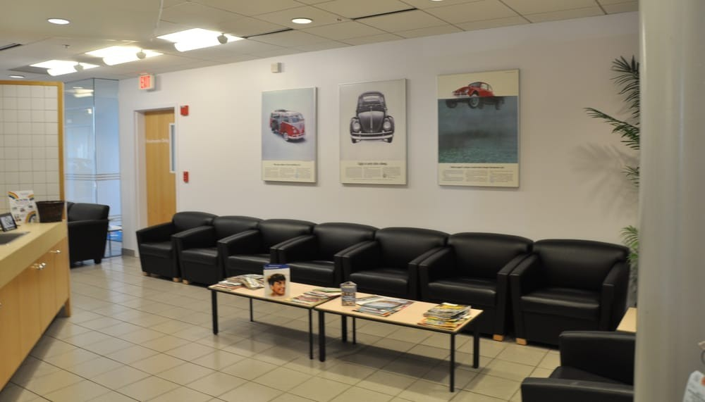 The waiting area at Lindsay Volkswagen, located at Sterling, VA, 20166 is a comfortable and inviting place for our guests. You can rest easy as you wait for your serviced vehicle brought around!